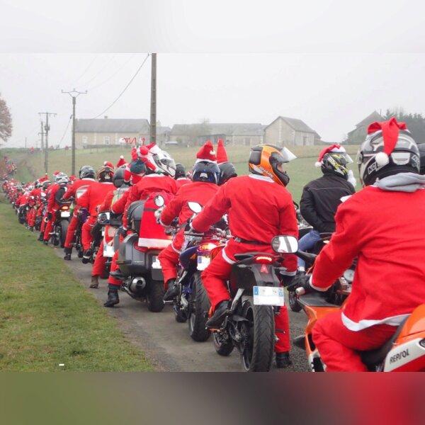 Balade des père Noël à TOURS
