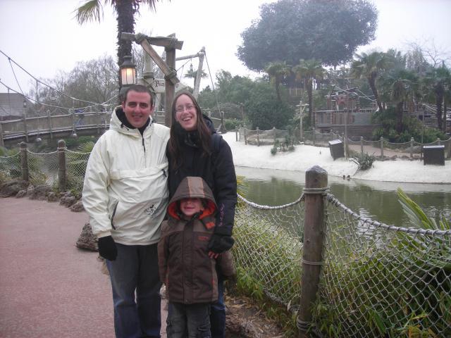 [Disneyland Paris] Premier séjour au DLH (31 janv.-2 fév. 2011) + un anniversaire inoubliable ! - Page 2 11666539