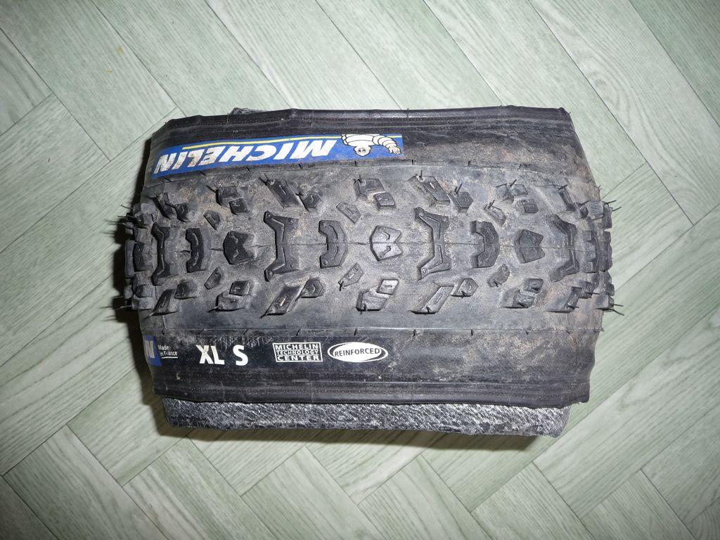 [VENDS] Divers pneus 118572tn_P1060106
