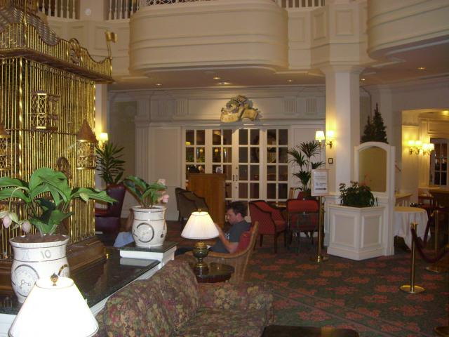 [Disneyland Paris] Premier séjour au DLH (31 janv.-2 fév. 2011) + un anniversaire inoubliable ! - Page 4 153776161