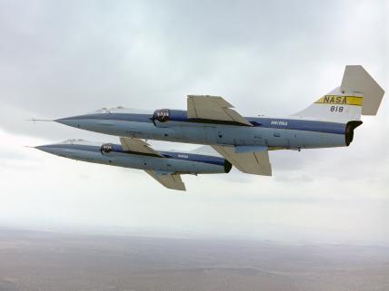 DUO: F-104N (NASA) + F-104G (BAF) Hazegawa 1/48  195541306650main_EC76_5140_3x4_428_321