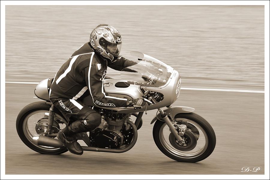 Bikers Classics à Spa Francorchamps (Moto) : Les photos 2267772010_06_12_3346