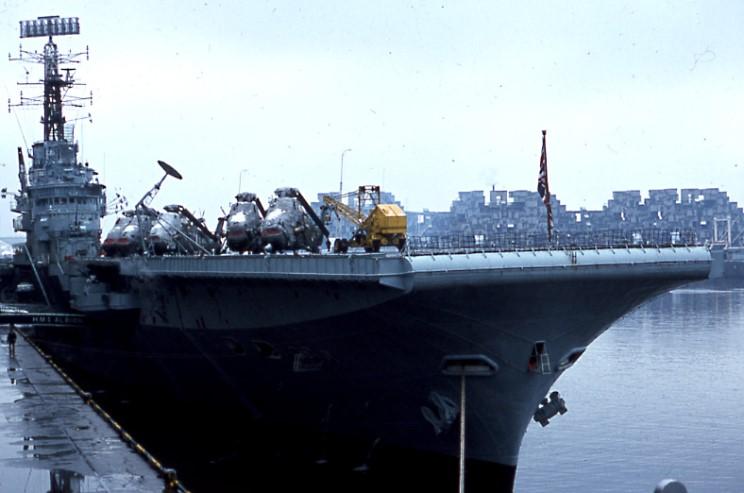 ROYAL NAVY PORTE-AVIONS CLASSE CENTAUR 247918HMS_Albion_Montreal_1973