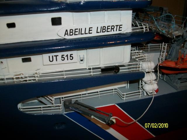 L' Abeille Liberté au 1/75 e - Page 3 25500palan_tribord