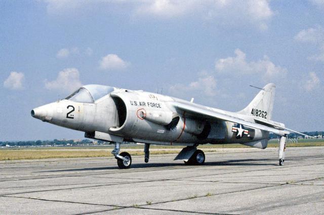 BRITISH AEROSPACE HARRIER ET SEA HARRIER 277074Hawker_Siddeley_XV_6A_Kestrel_USAF