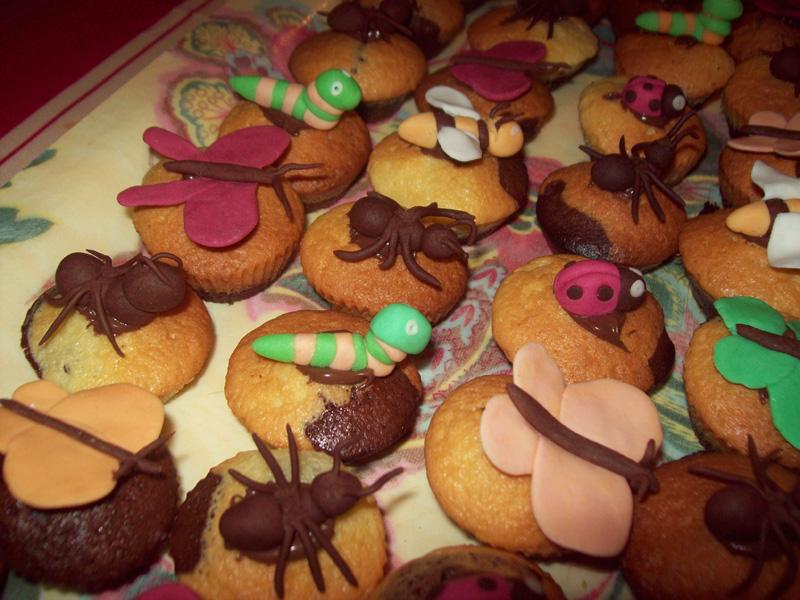 insectes et petites bêtes de jardin (fourmi, sauterelles...) 32520603