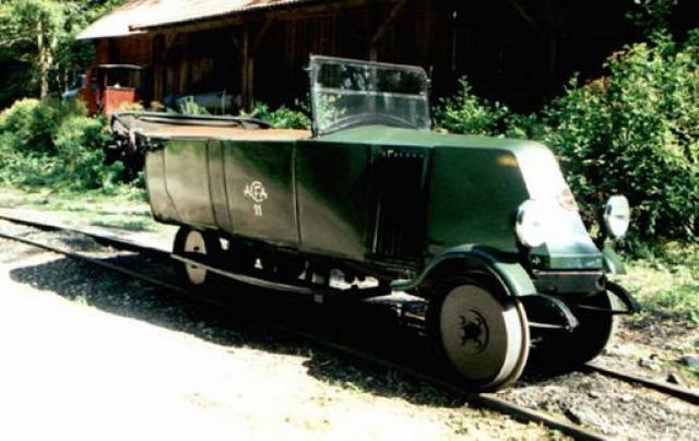Dresines, tractors de maniobres, vehicles de via i obres i d'altres andròmines de via estreta. 358176Draisine_Renault
