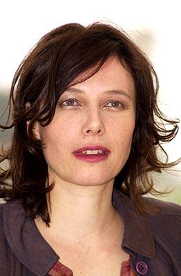 <br /><br />Sharon Case 39 ans<br /><a target=