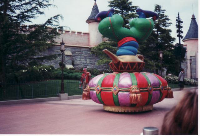 Anciens spectacles et parades de Disneyland Paris - Page 4 374855Jun29_10