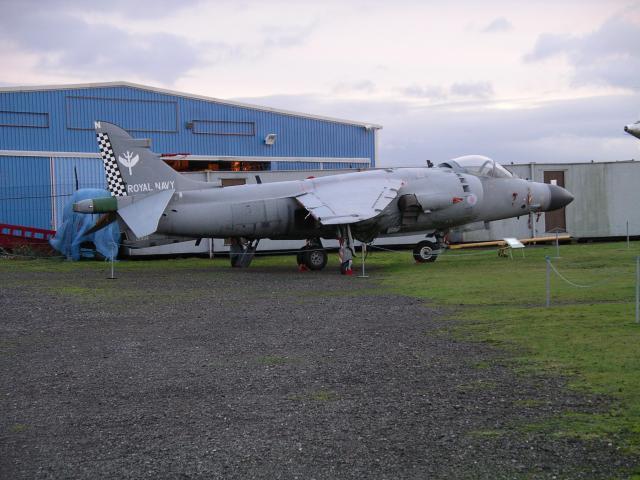 BRITISH AEROSPACE HARRIER ET SEA HARRIER 402503Sea_Harrier_FA_2_ZE694_at_MAM_22n07