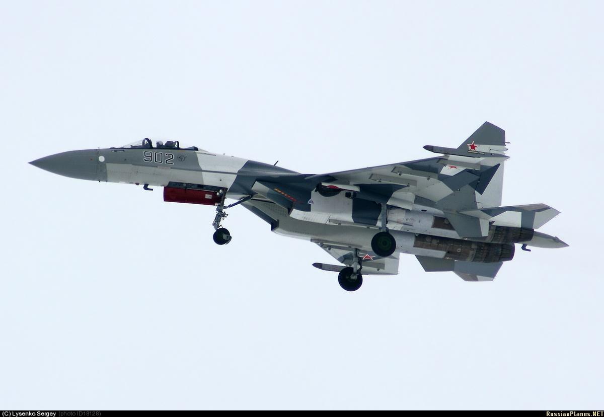 Chasseur Su-35BM  425835018128
