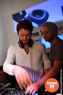 Howard DJing au creme 21 en Allemagne 19-02-2011 468282014vi