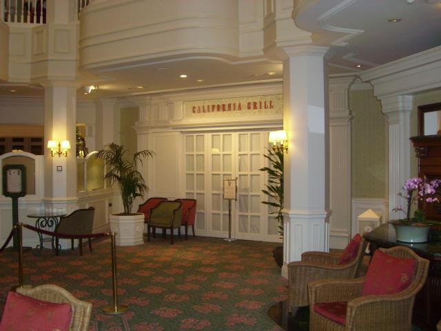 [Disneyland Paris] Premier séjour au DLH (31 janv.-2 fév. 2011) + un anniversaire inoubliable ! - Page 4 566701160
