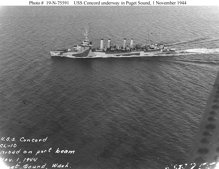 USN CROISEURS LEGERS CLASSE OMAHA - Page 1 574350USS_Concord_1944