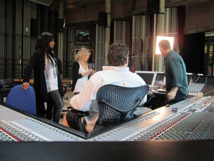 Gary au studio Real World rejoignant le projet lotus 06.10 58999031374_404050305687_335122935687_4281657_3892963_n