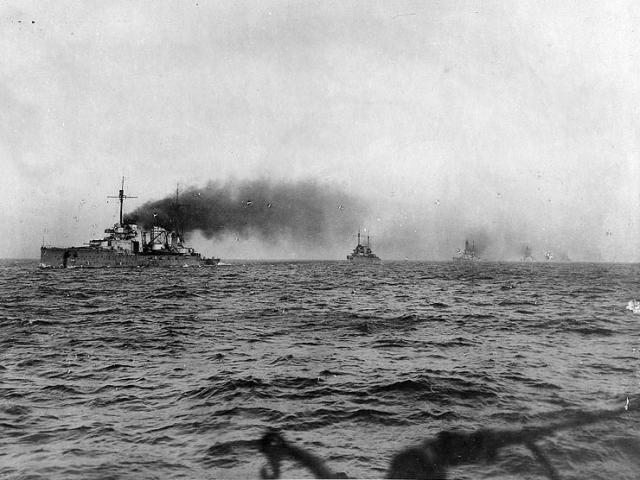ALLEMAGNE CROISEUR DE BATAILLE SMS VON DER TANN 634160German_battlecruisers_steaming_to_Scapa