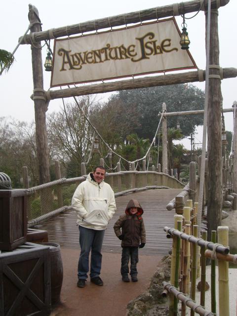 [Disneyland Paris] Premier séjour au DLH (31 janv.-2 fév. 2011) + un anniversaire inoubliable ! - Page 2 64918941