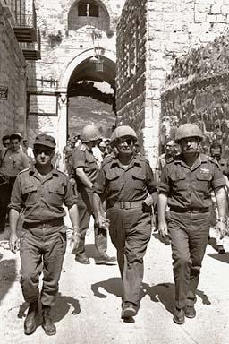 Guerre des six jours(1967) 687496167_colonel_bagshot_six_days_war_L_1