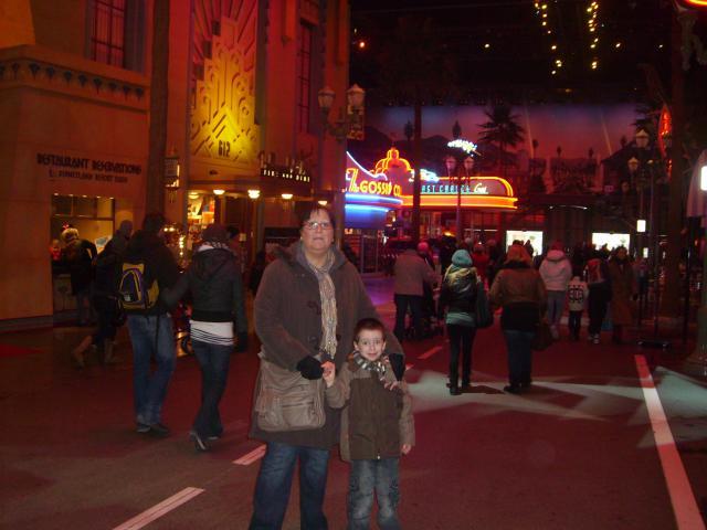 [Disneyland Paris] Premier séjour au DLH (31 janv.-2 fév. 2011) + un anniversaire inoubliable ! - Page 4 702525185