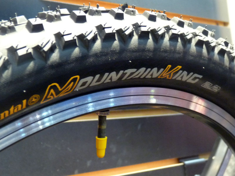 Continental  761240continental_mountain_king_mountain_bike_tires01