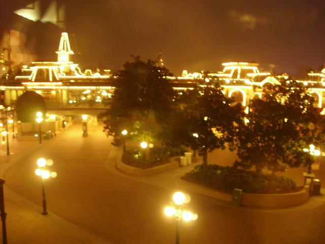 [Disneyland Paris] Premier séjour au DLH (31 janv.-2 fév. 2011) + un anniversaire inoubliable ! - Page 4 826070164
