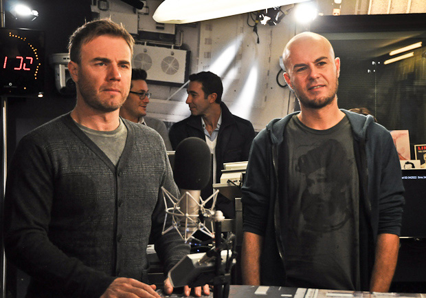 Take That à la radio DJ Italie 23/11-2010 83129425111jpg