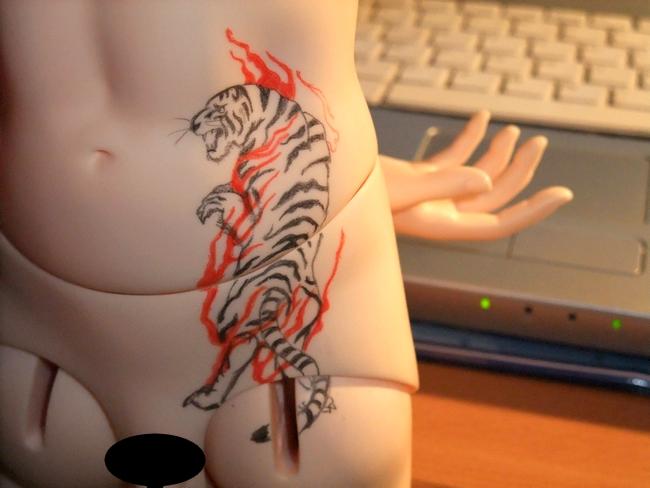 °Oo*~° les tatouages de kyo °~*oO° ETAPE 1 ! tigre! 836597DSCF3046