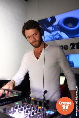 Howard DJing au creme 21 en Allemagne 19-02-2011 836602050vi