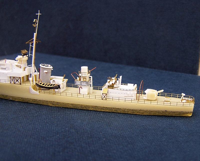 Hms Warspite airfix 1/600 - Page 4 889019hmswarspite004