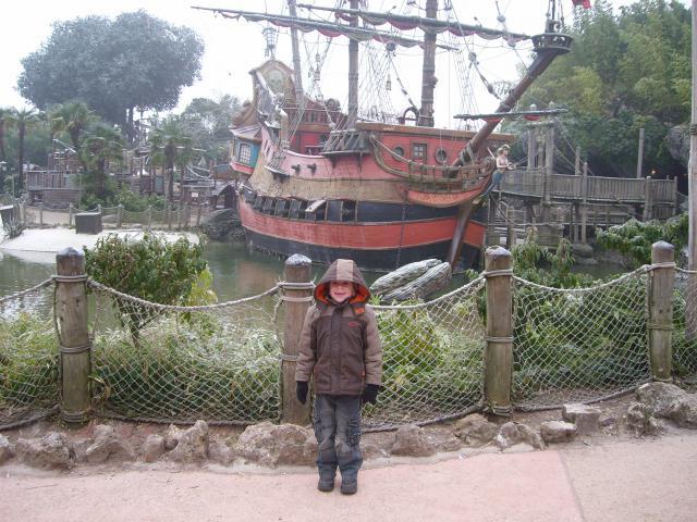[Disneyland Paris] Premier séjour au DLH (31 janv.-2 fév. 2011) + un anniversaire inoubliable ! - Page 2 89084937