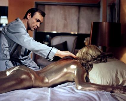 Bond, James Bond ^^ 910523ytygf