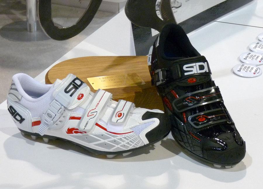 SIDI 912336sidi_shoes_2011_buckle_stitch_updates01