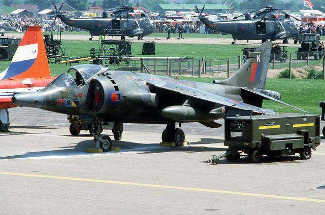 BRITISH AEROSPACE HARRIER ET SEA HARRIER 935575Harrier_GR.3_RAF_Mildenhall_9_juin_1984