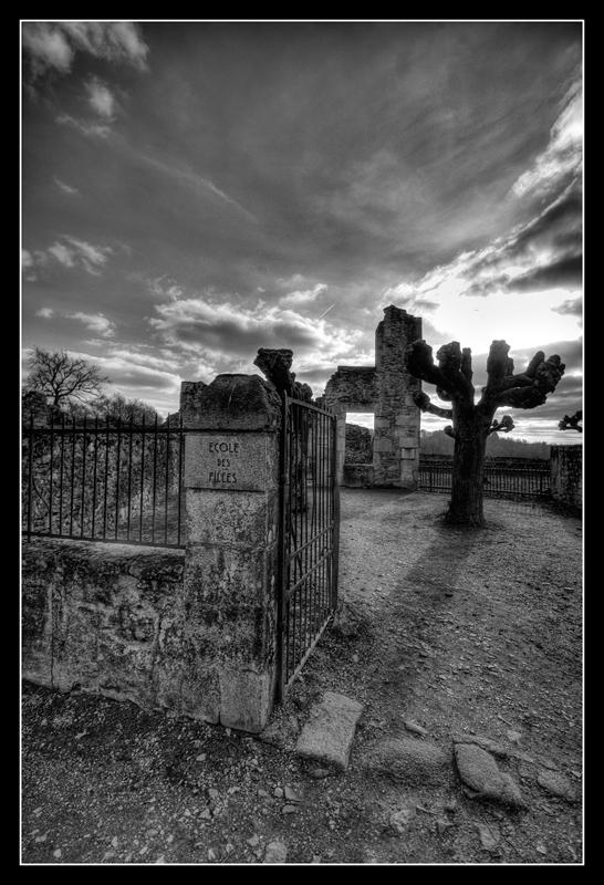 Oradour-sur-Glane 986724HDR25NB800