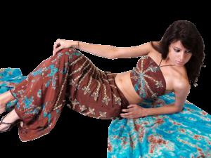 Ethnies Femmes poses diverses Mini_73549374700594