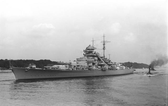 Bismarck 1/350 Revell 113086LeBismarck