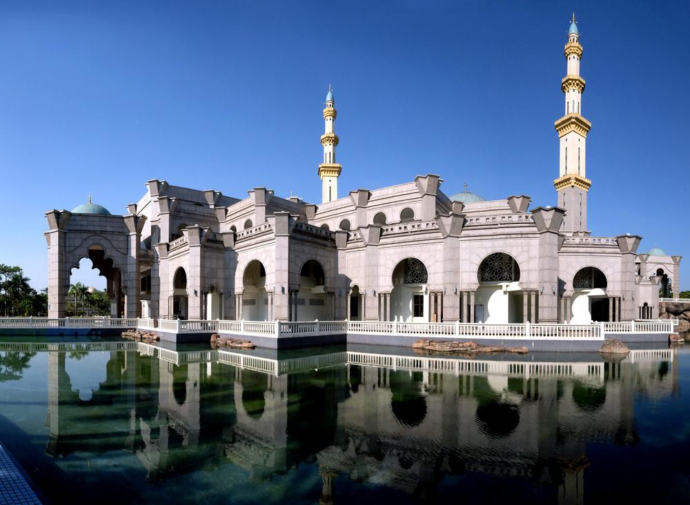 أشهر وأجمل المساجد في ماليزيا  1132931605158715801583157516041605160615911602157715751604160116101583158515751604161015771603160815751604157516041605157616081585
