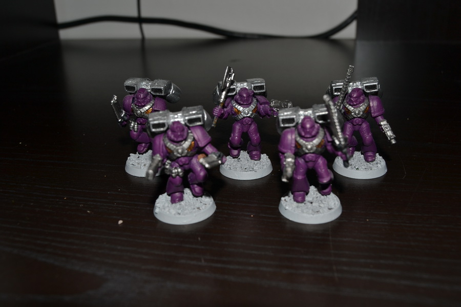 Les Purple Knight 114329WH40K024