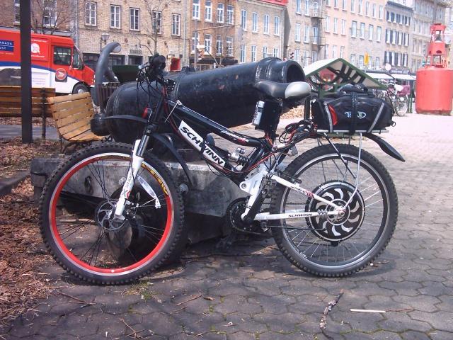 HOOLIGAN..Pas un (( GRAND )) vélo.....MAIS !!! - Page 6 114920SIMON1