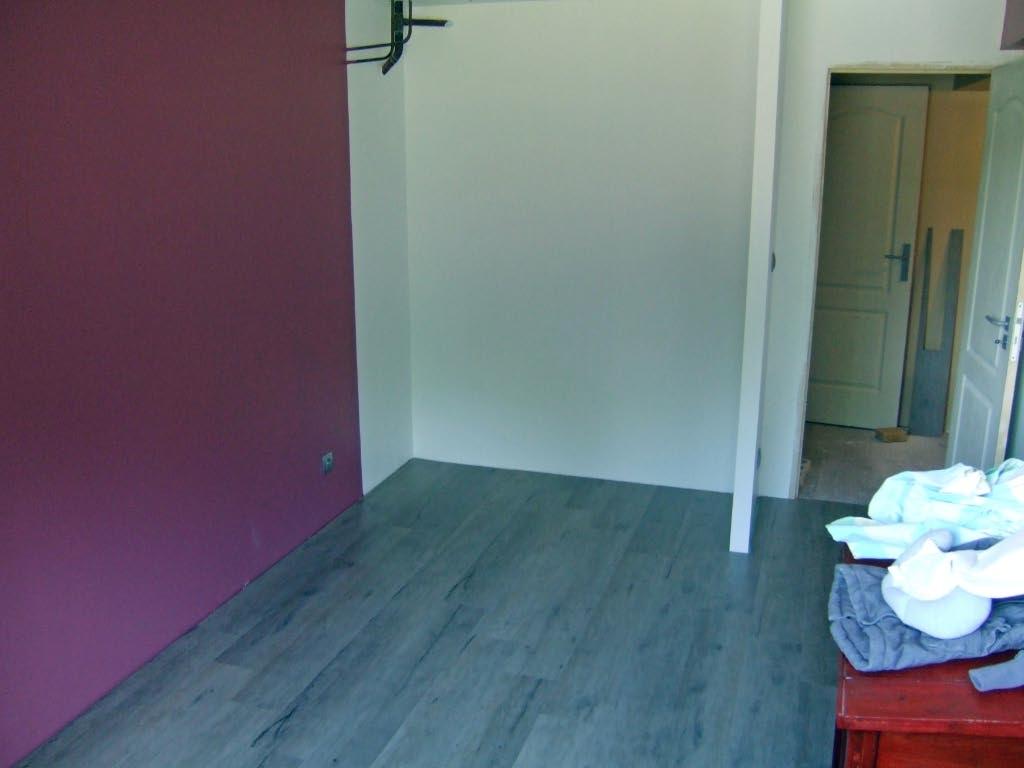 Aménagement d'un sous sol en chambres. 117163travaux30