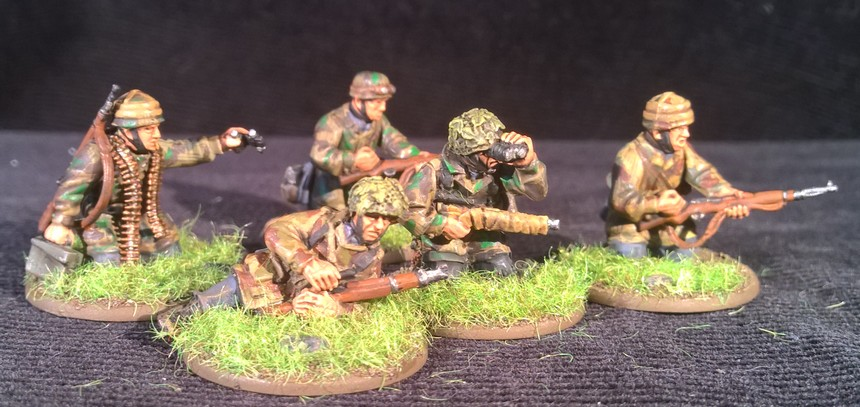 Bolt Action  - Quelques blindés ! 118315Fallschirmjager6