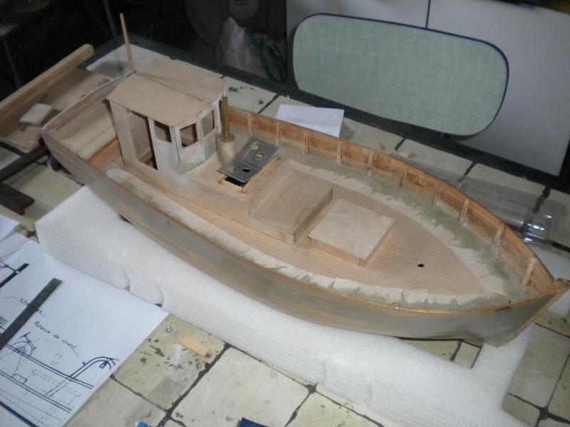 barque chalutiére au 1/20è d'après plans - Page 4 119536DSCN2190