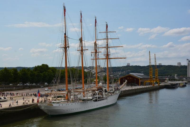EB Esmeralda de passage à Rouen 122411DSC3633023
