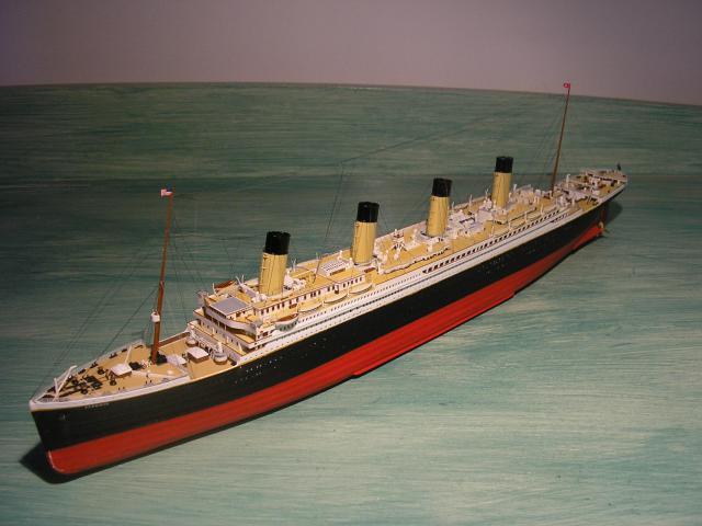 RMS Titanic par Titanic fan au 1/350 - Minicraft. 123977pc210756