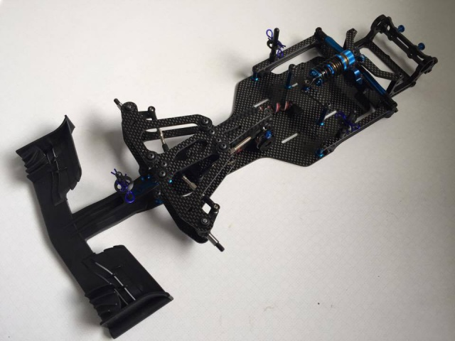 montage et presentation du chassis F6 team associated 1242263436