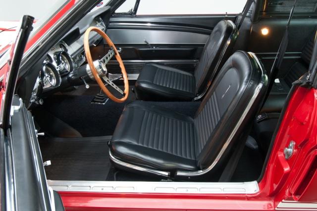 mustang shelby 350 GT 1967  au 1/25 de chez AMT/ERTL  124738interieur13