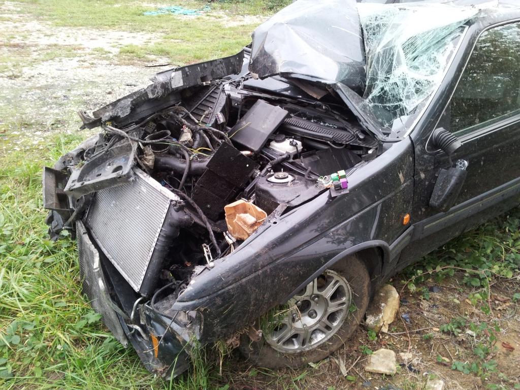 Accident grave avec Peugeot 405 STDT 12509920111012154953