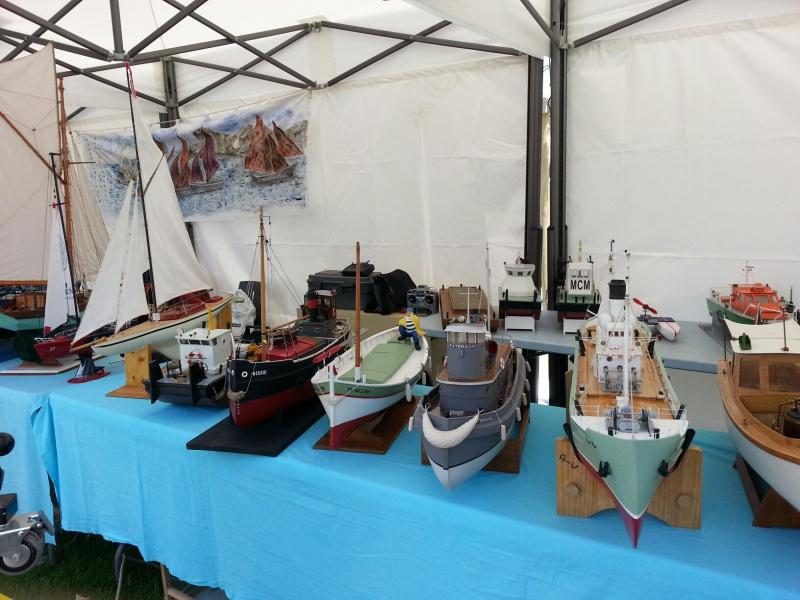 démo de maquettes navigantes sur la place Napoléon à la Roche S/Yon le 31 Mai et le 1er Juin 12904420140531133940resized1