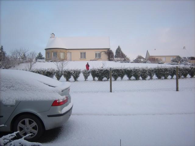 Mercredi 06 janvier 2010 - (Neige à Pont Farcy - 7 à 10 cm) 130370Jan06320