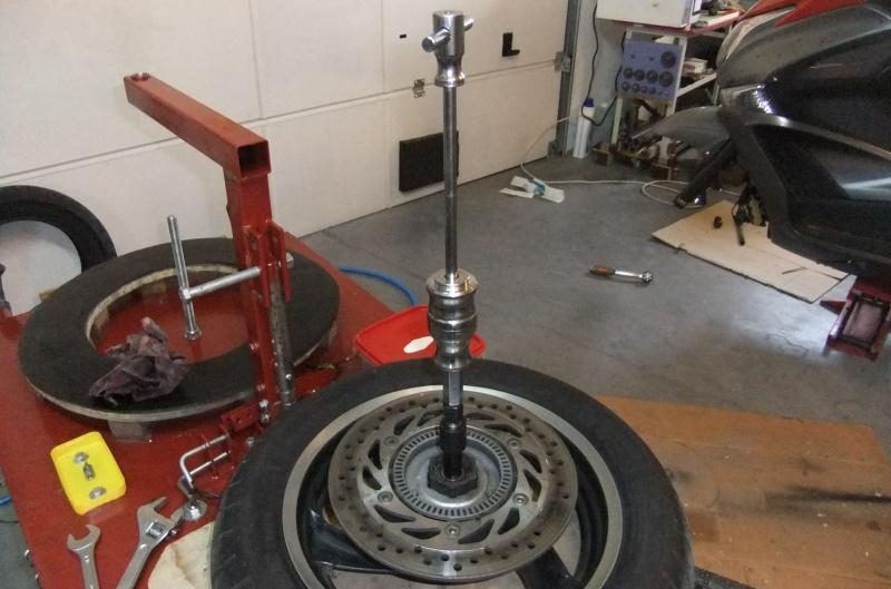 Quatre roulements dans ma roue AV 130970DSCF7872